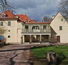 Vorderansicht Schloss Tiefurt